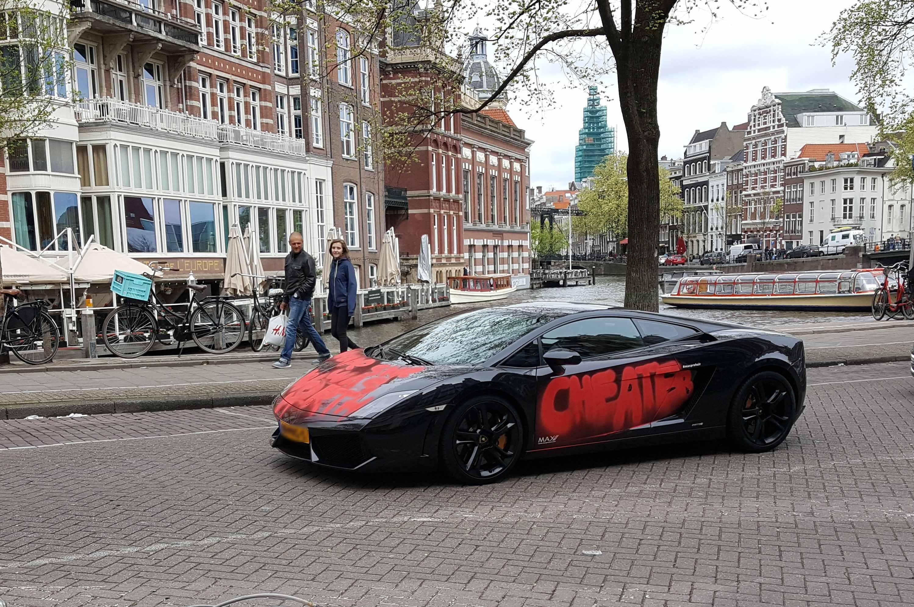 Właściciele drogich aut to najczęstsi cudzołożnicy wśród kierowców