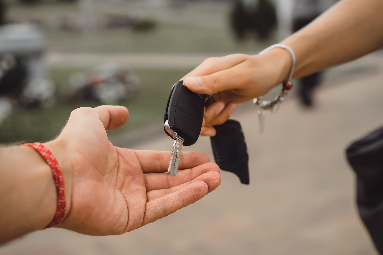 Dlaczego warto kupić Peugeota w dobrym salonie?