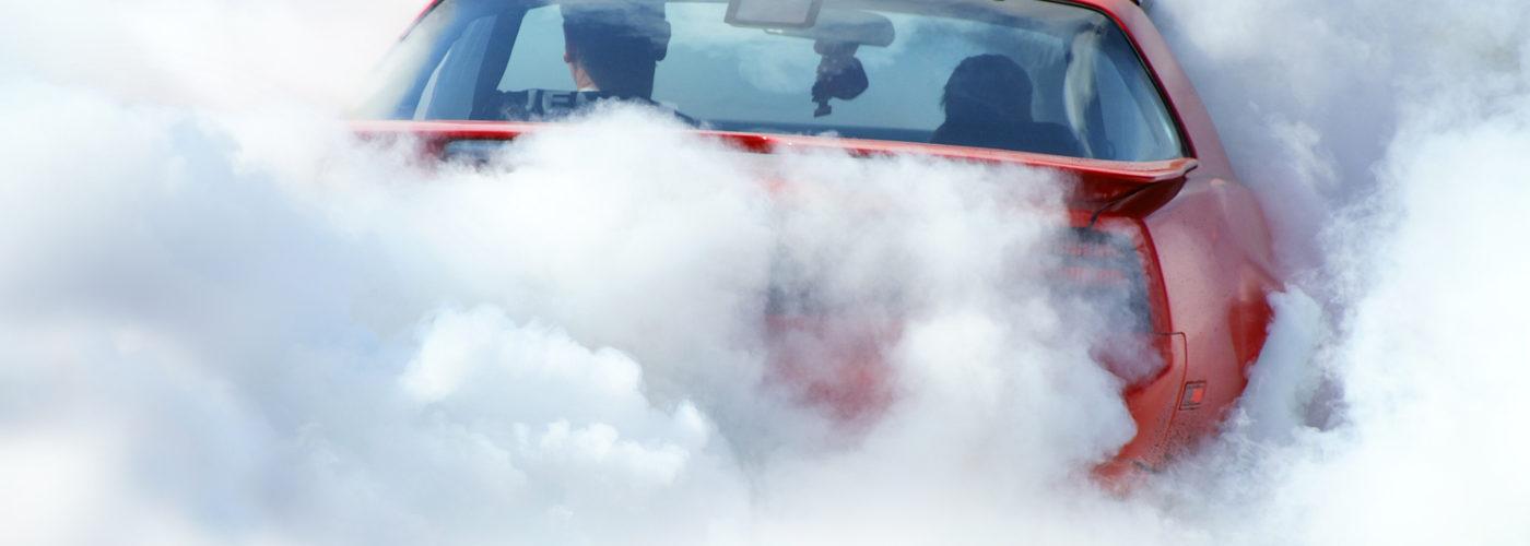 Diesele kopcą ale benzyniaki emitują dwa racy więcej CO2